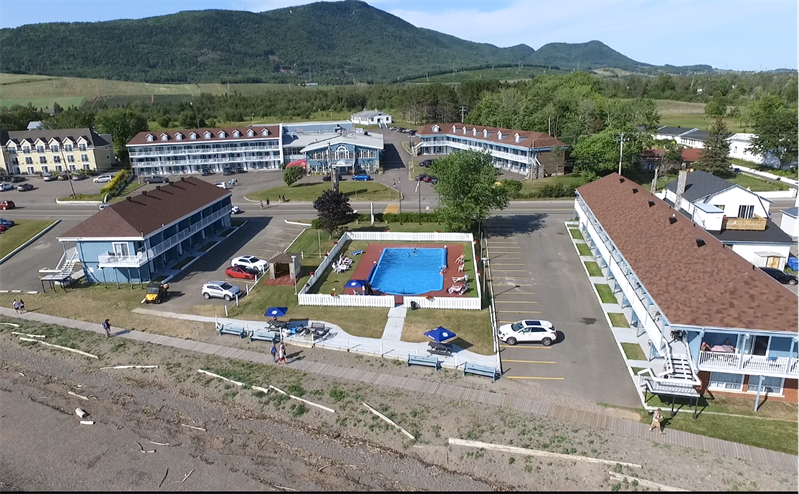 Hostellerie Baie Bleue: Travaux et acquisitions