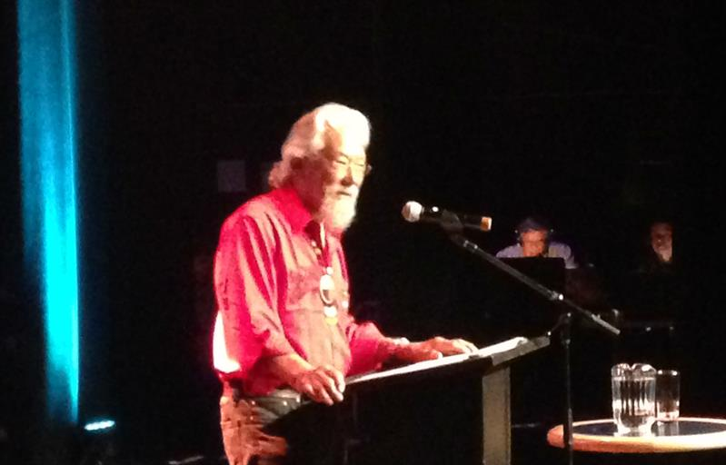 David Suzuki, ovationné devant une foule captivée à New Richmond